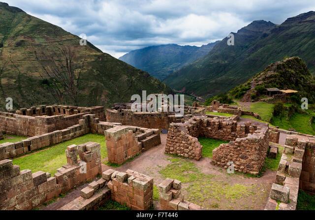 Ansicht der Inka-Ruinen in der Nähe der Stadt von Pisac im Heiligen Tal, Peru Stockbild