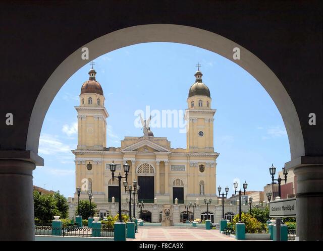 Das Rathaus von Santiago De Cuba auf Kuba. Auf dem Balkon des Gebäudes erklärt Fidel Castro am 1. Januar Stockbild