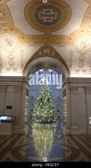 Washington, DC, USA. 9. Dezember 2015. Foto auf Dec.9, 2015 zeigt einen Weihnachtsbaum in der Library of Congress Stockbild
