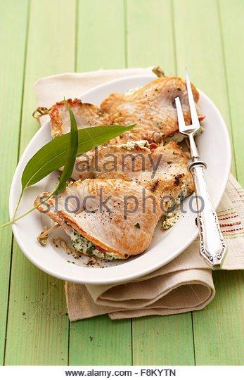 Hähnchen Schnitzel gefüllt mit Bärlauch (wilder Knoblauch) Creme Stockbild