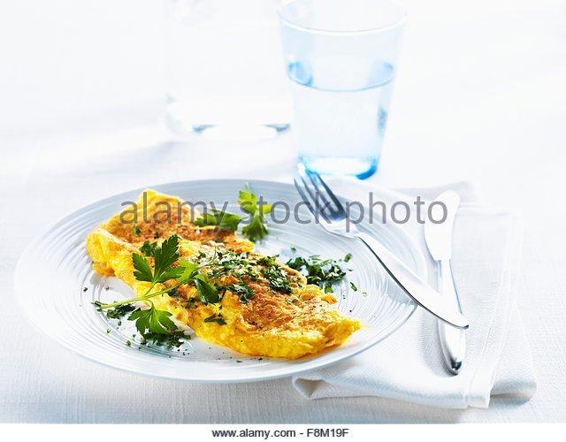 Omelett mit frischer Petersilie Stockbild