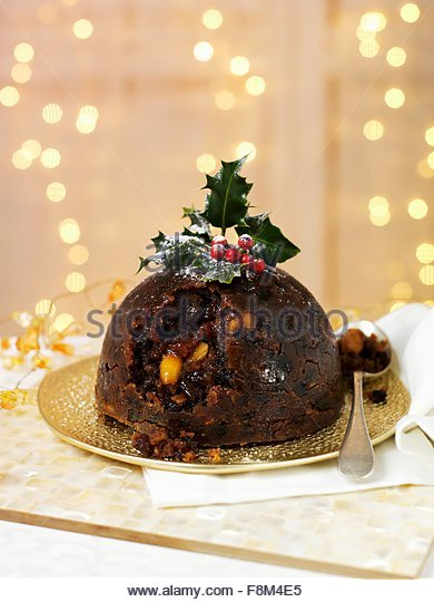 Christmas Pudding mit holly Stockbild