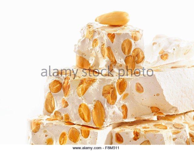Torrone (Nougat mit Honig und Nüssen gemacht) Stockbild