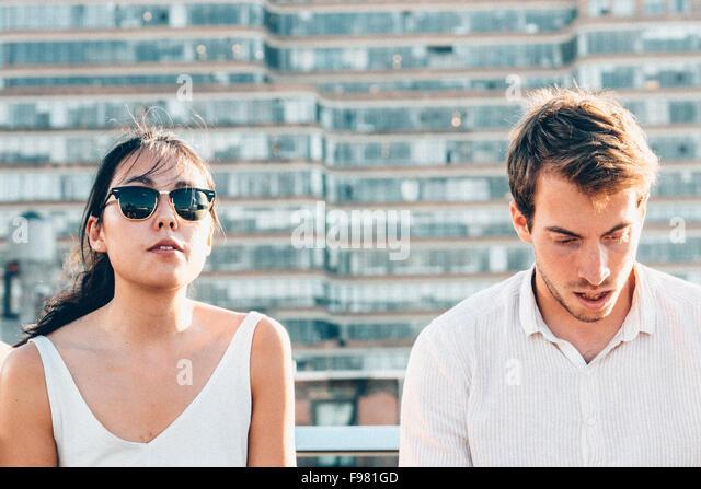Mann und Frau In der Stadt Stockbild
