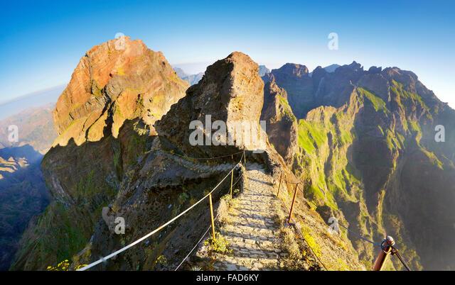 Madeira Mountainbike Wanderweg vom Pico Do Arieiro zum Pico Ruivo, Insel Madeira, Portugal Stockbild
