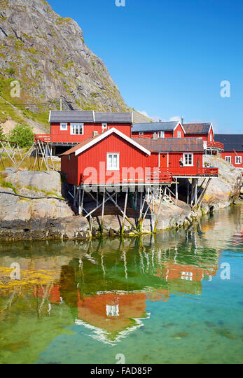 Traditionelle rot lackierten Rorbu Häuser, Lofoten Inseln, Norwegen Stockbild