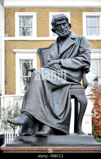 London, England, UK. Statue: Thomas Carlyle (Schriftsteller/Historian: 1795-1881) auf dem Chelsea Embankment, von Stockbild
