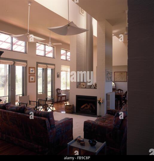 Patterned sofas stockfotos patterned sofas bilder alamy - Doppeltur wohnzimmer ...