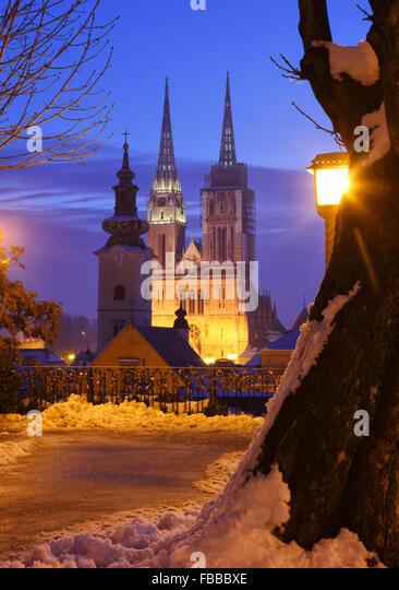 Blick zur Kathedrale in Zagreb Stadt Stockbild