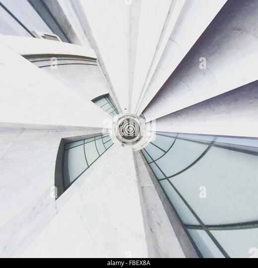 Digitalen zusammengesetztes Bild des modernen Gebäudes Stockbild