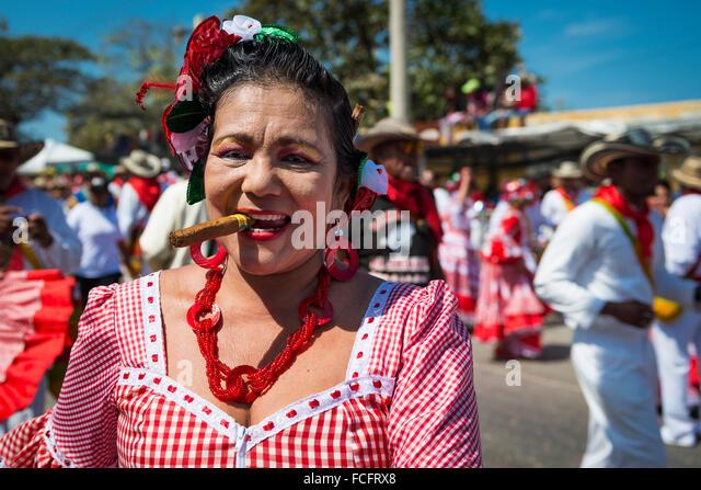 Barranquilla, Kolumbien - 1. März 2014: Die Leute an die Karnevalsumzüge in den Karneval von Barranquilla Stockbild