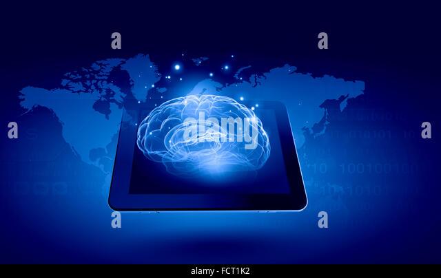 Globale Technologien Konzept mit Tablet pc und Media-icons Stockbild