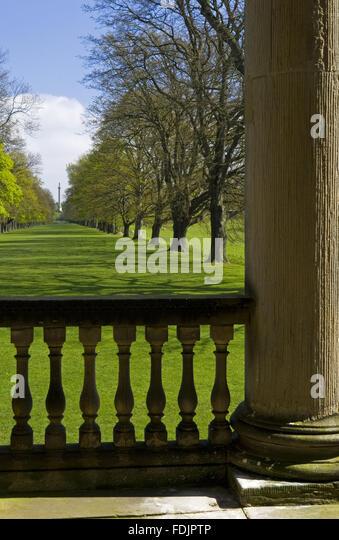 Sehen Sie sich die Long Walk oder Avenue Eichen von der Kapelle bei Gibside, Newcastle Upon Tyne. George Bowes erbte Stockbild