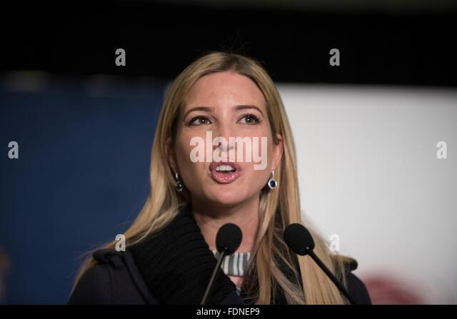 Republikanischen Präsidentschaftskandidaten Kandidat Donald Trump-Tochter Ivanka Trump spricht auf einer Kundgebung Stockbild