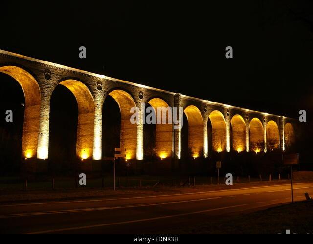 Gewölbe, Altenbekener Viadukt, Kalkstein-Brücke Stockbild