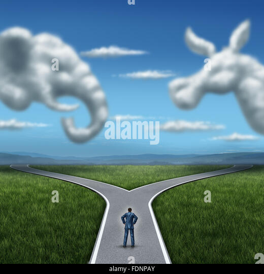 Republikaner gegen Demokraten Konzept amerikanischen Wahlkampf zu kämpfen als zwei Wolken geformt wie ein Elefant Stockbild