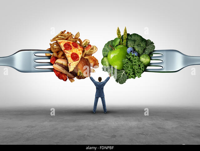 Essen Gesundheit Entscheidung und Ernährung Wahl Konzept und Ernährung Optionen Dilemma zwischen gesunden Stockbild