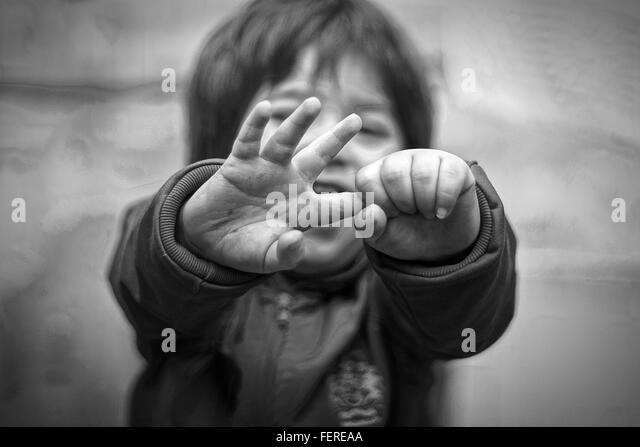 High Angle View Of Baby Holding Finger im freien Stockbild
