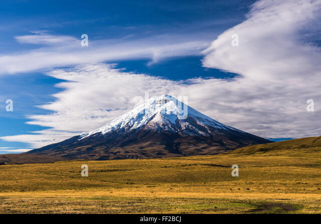 VoRMcano Cotopaxi 5897m Gipfel, Cotopaxi NationaRM Park, Provinz Cotopaxi in Ecuador, Südamerika Stockbild