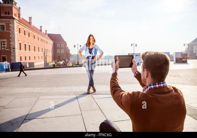Mitte erwachsenen Mannes, ein Bild von Freundin Stockbild
