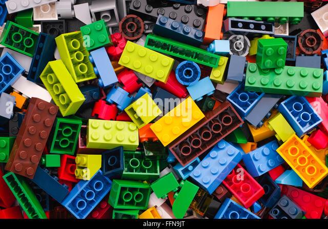 Tambow, Russische Föderation - 24. März 2015 Haufen multicolor Legosteine. Studio gedreht. Stockbild