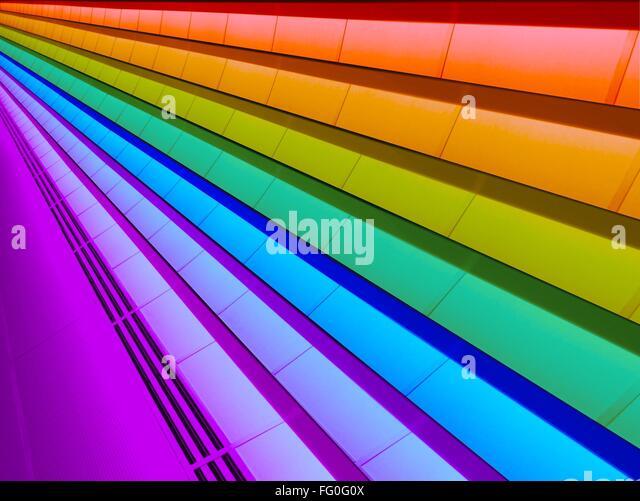 Niedrigen Winkel Blick auf bunt-Decke Stockbild
