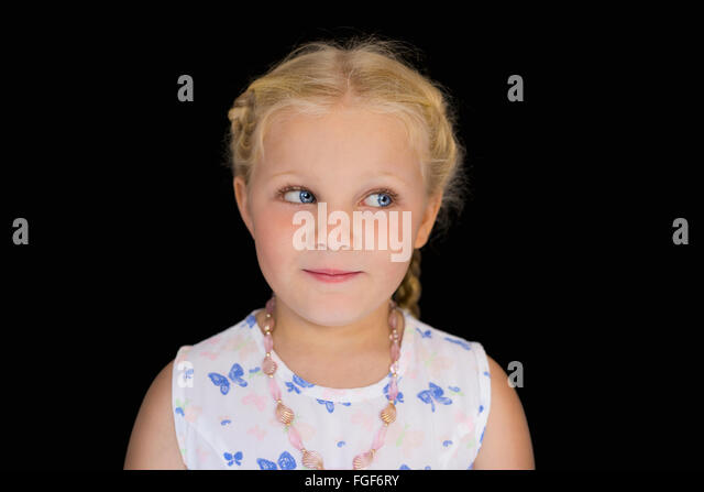 Porträt eines jungen Mädchens mit blonden Haaren, Lächeln Stockbild