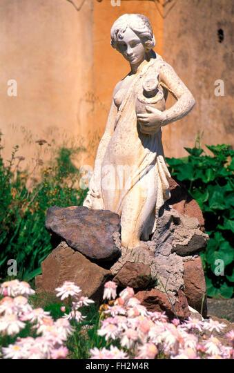 Insel Salina, Statue in Malfa, Aeolische Inseln, Sizilien, Italien Stockbild