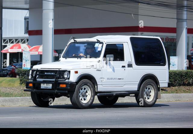 Chiang Mai, THAILAND-5. Februar 2016: Pkw, Suzuki Caribian.  Auf der Straße no.1001, 8 km von Chiang Mai Stadt. Stockbild