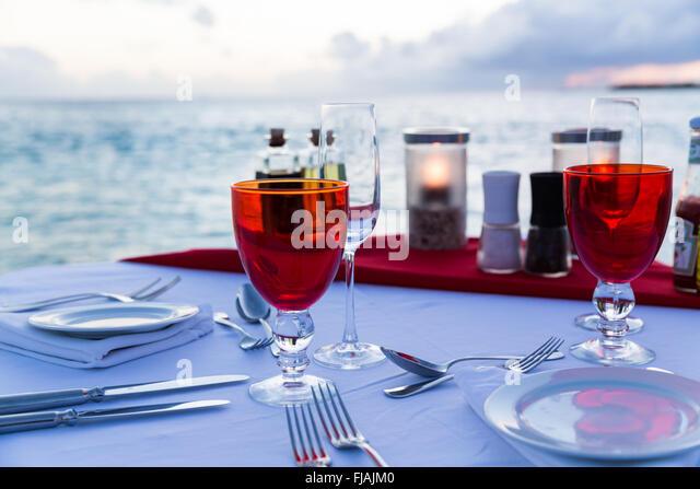 Fine Dining am Meer in Malediven Stockbild