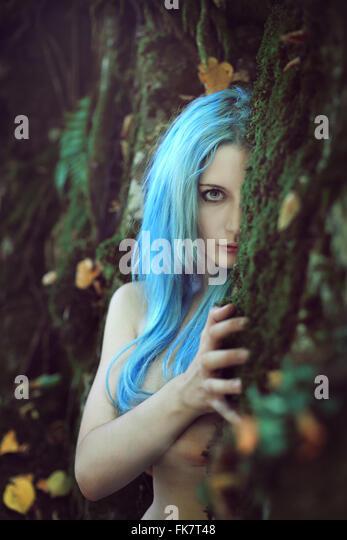 Schönen ätherischen Kind des Waldes. Fantasie und Magie Stockbild