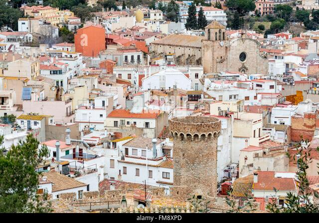 Spanien, Katalonien, Tossa de Mar, Girona, Comarca La Selva, Altstadt, mittelalterlichen Stadtbefestigung und Pfarrei Stockbild