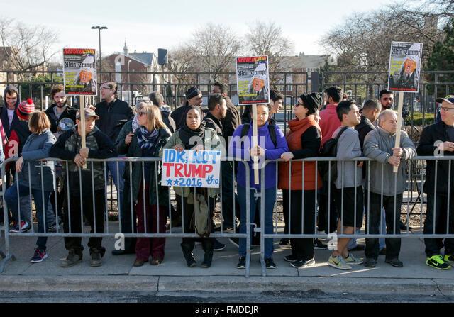 Chicago USA 11. März 2016. Ein paar Tausender von Menschen, die eine Donald Trump-Kampagne-Rallye an der UIC Stockbild