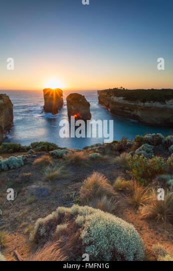 Loch Ard Gorge bei Sonnenuntergang, Port Campbell National Park, Great Ocean Road, Victoria, Australien Stockbild