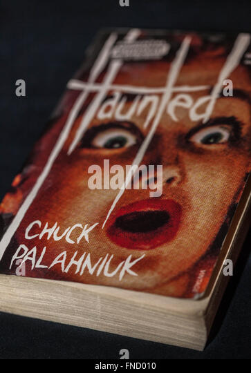 Cover des Buches Haunted von Chuck Palahniuk Stockbild