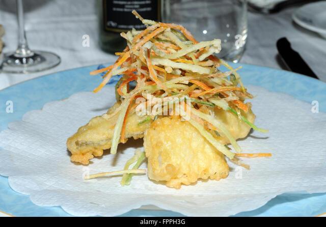 ein Teller mit gebratenem Stockfisch typisch ligurischen Platte, Genua, ligurischen, Italien Stockbild