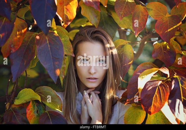 Schöne Mädchen Porträt. Letzten Herbst Farben Stockbild