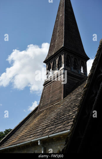Hölzerne Schindeln Spire, Ende des 19. Jahrhunderts, der Nuthurst, St.-Andreas-Kirche, East Sussex, in der Stockbild
