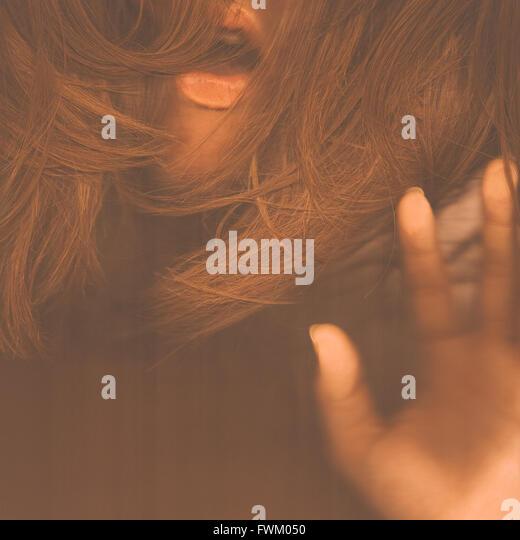 Bild von sinnliche Frau mit braunen Haaren abgeschnitten Stockbild