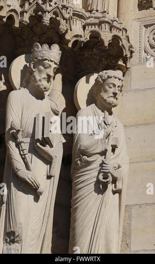 Frankreich. Paris. Die Westfassade der Kathedrale von Notre-Dame. Gothic. 13. Jh. Restaurierung, 19. c. Portal von Stockbild