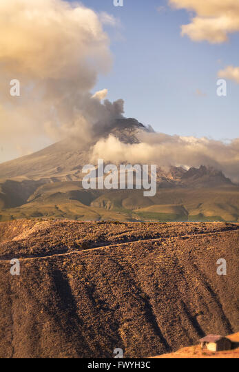 Cotopaxi Vulkan mächtige Tages Explosion, Südamerika Stockbild