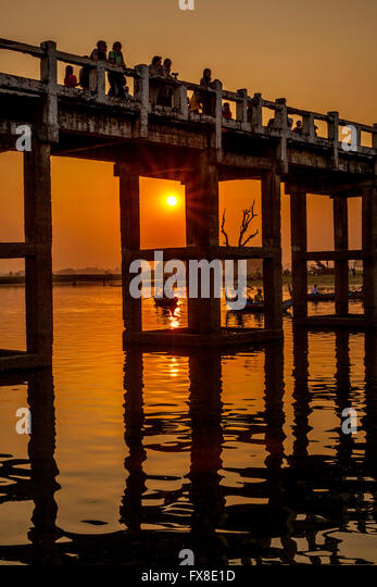 U Bein Brücke, die längste Teakholz-Brücke weltweit Amarapura Stockbild