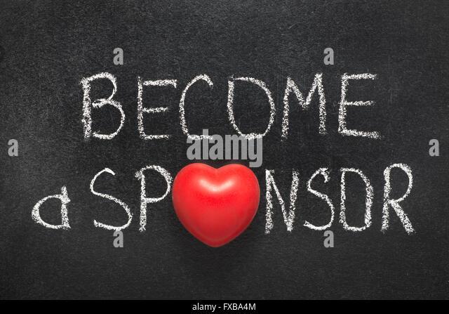werden Sie Sponsor Wortgruppe handschriftlich auf Tafel mit Herzsymbol statt O Stockbild