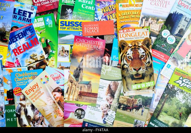 Broschüren für touristische Attraktionen im Süden von England Stockbild