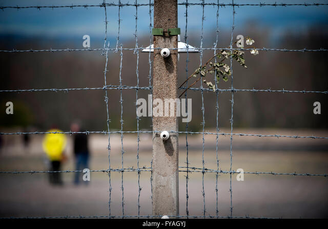 Der Drahtzaun nach Buchenwald Dachau, Deutschland Stockbild