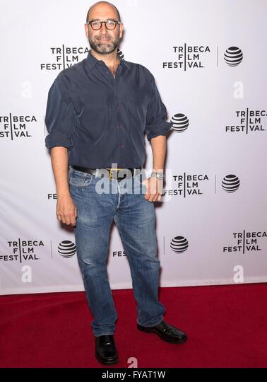 New York City, USA - 24. April 2016: Regisseur Jim Fall besucht die fast Paris Premiere beim Tribeca Film Festival Stockbild