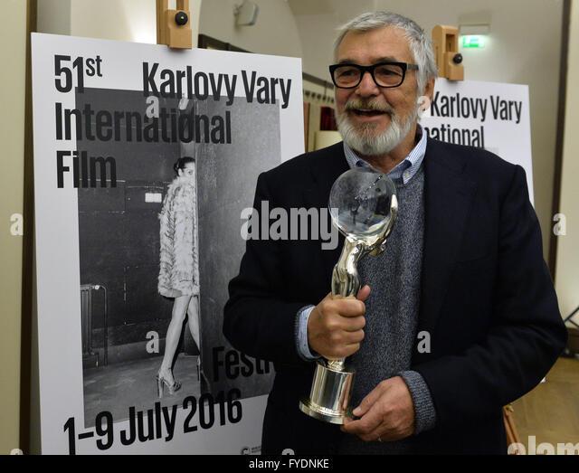 Prag, Tschechische Republik. 26. April 2016. Karlovy Vary International Film Festival Präsident Jiri Bartoska Stockbild