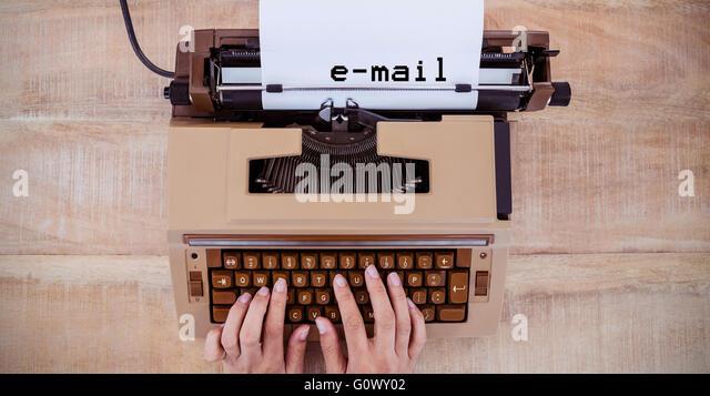 Zusammengesetztes Bild der e-Mail-Nachricht Stockbild
