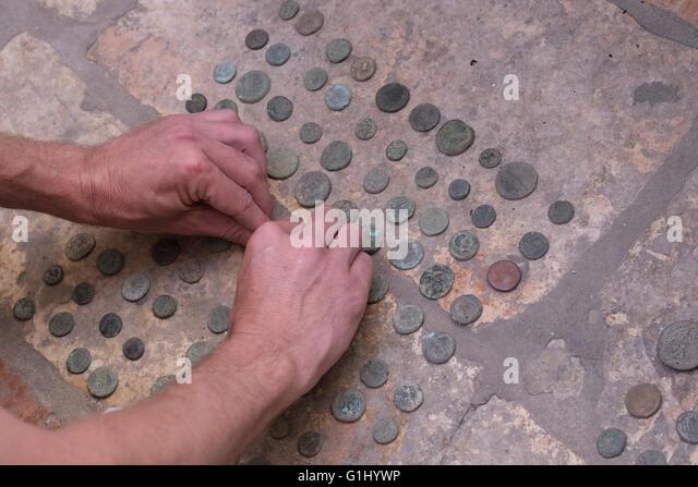Stapel von alten römischen Münzen im Baidun antike Shop befindet sich auf der Via Dolorosa Altstadt Ost - Stock-Bilder