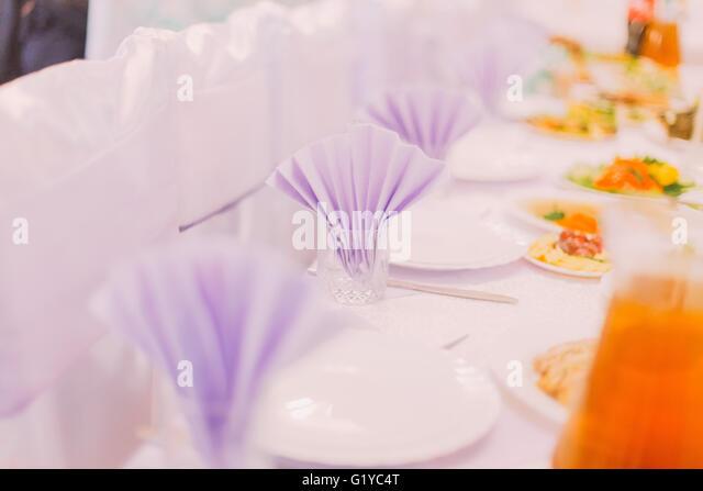 Tischen Hochzeit set für gehobene Küche oder ein anderes Ereignis gesorgt Stockbild